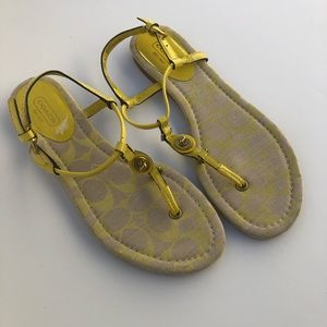 NWOT Coach Robyn yellow leather lock sandal 8B
